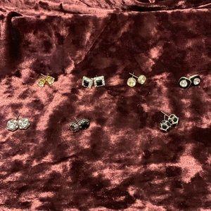 Bundle of 7 pair earrings. 2/$10 Sale
